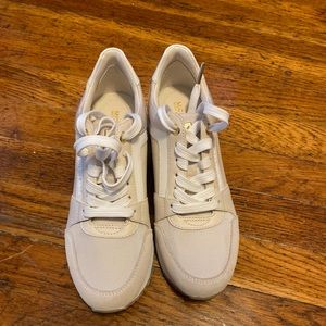 Michael Kors Off White Sneakers